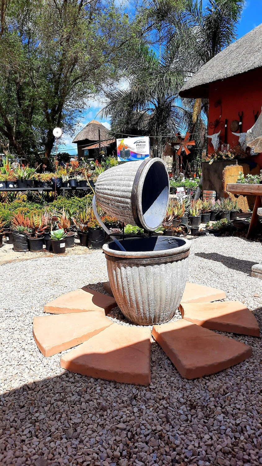 Round Stripe Pot Fountain Complete with Pump Akwa 1500 - H860mm x W470mm x L550mm - 25kg