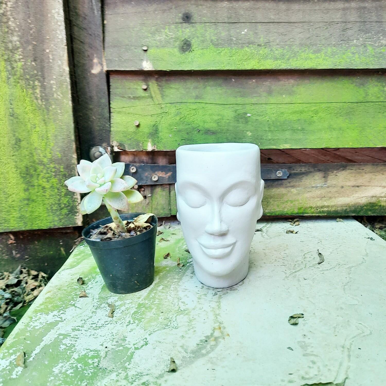 Mamma Jnr Head Planter Cement Colour Finish - H130mm x W90mm - 0.9kg