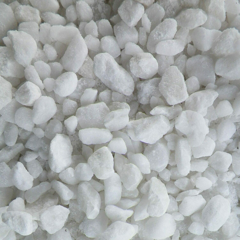 Super White Crush 8-13mm 300x600mm bags between 15-20kg