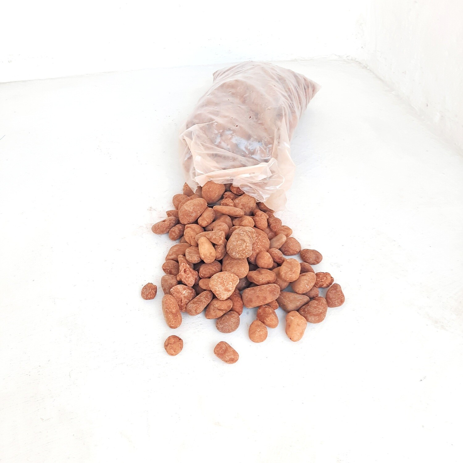 Desert Red 40mm 300 x 600mm bags between 18 and 20kg