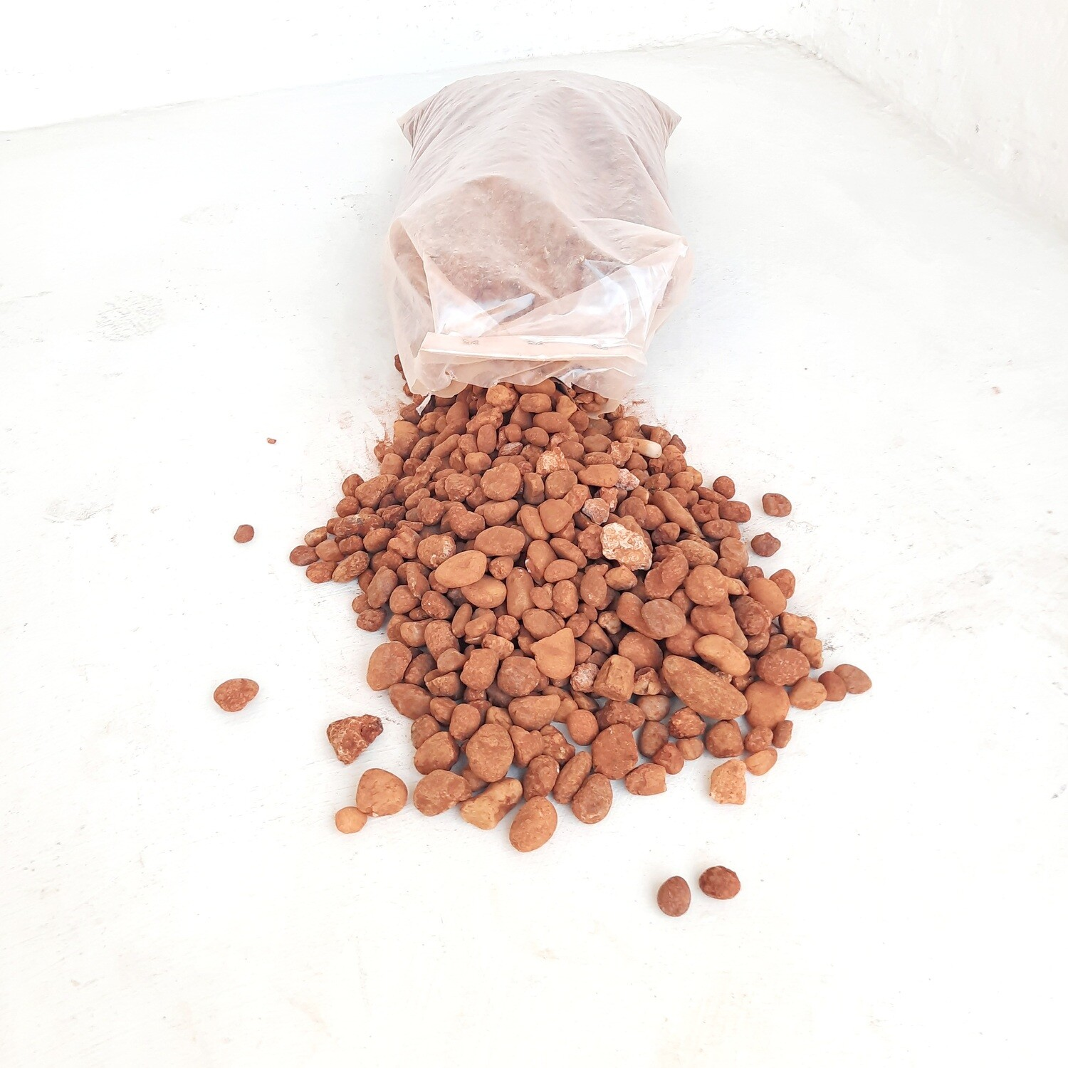 Desert Red 19mm 300 x 600mm bags between 18 and 20kg