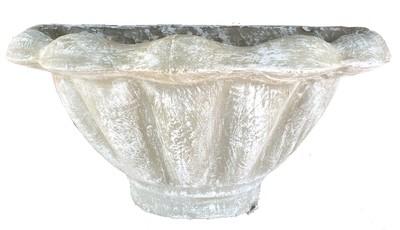Scallop Wall Pot Whitewash Finish - H300mm x W560mm - 10kg