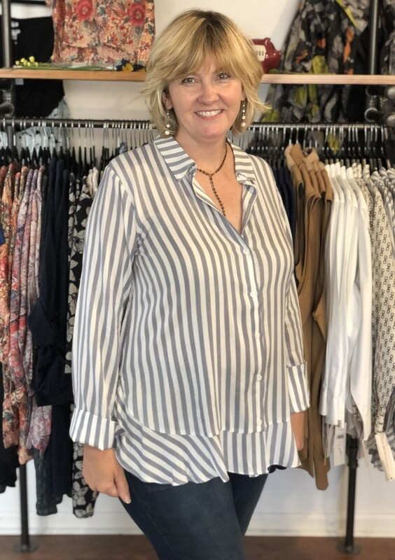 T3047 White and Navy Stripe Button Down