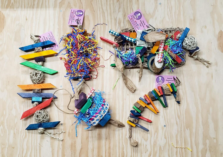 Medium Parrot Foraging Toy Box