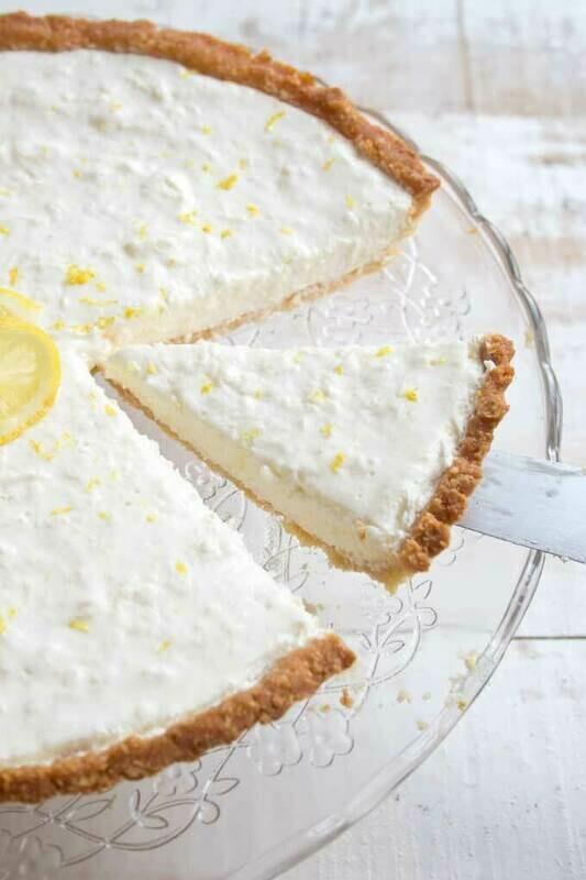 Cheesecake low-carb cu lamaie