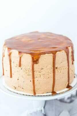 Tort artizanal cu whiskey si caramel