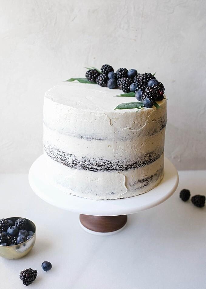 Tort artizanal alb-negru