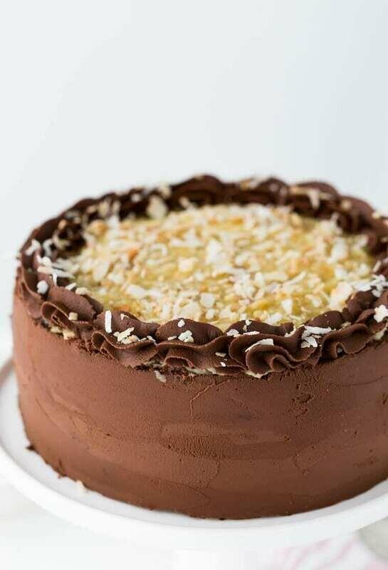 Tort artizanal cu ciocolata si rom negru