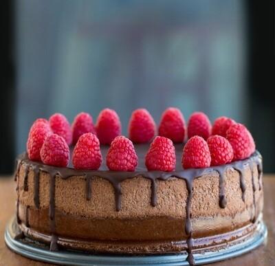 Tort cheesecake cu ciocolata si zmeura keto