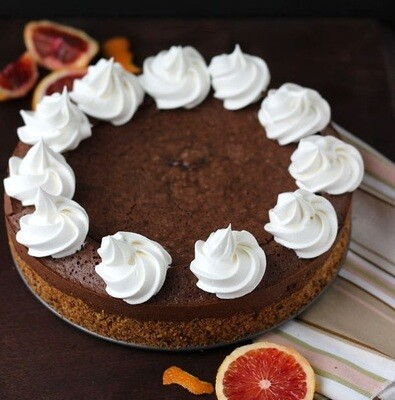Tort cu ciocolata, portocale si nuci pecan