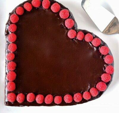 Tarta inima cu ciocolata si zmeura