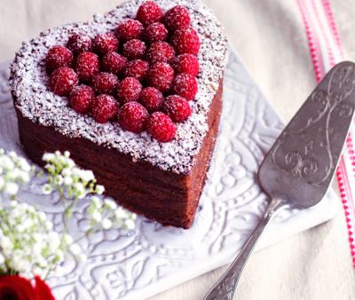Tort artizanal de ciocolata cu zmeura Valentine's