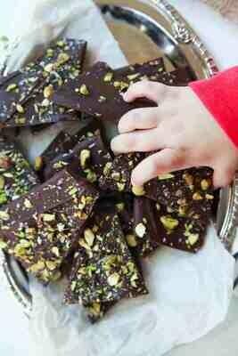 Ciocolata cu fistic si sare de mare fara zahar