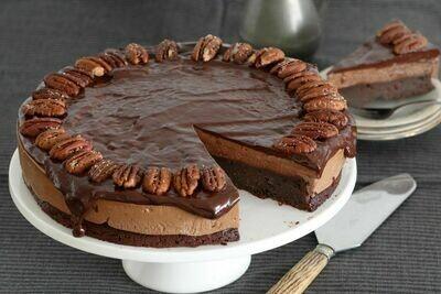 Tort artizanal cu ciocolata si nuci pecan