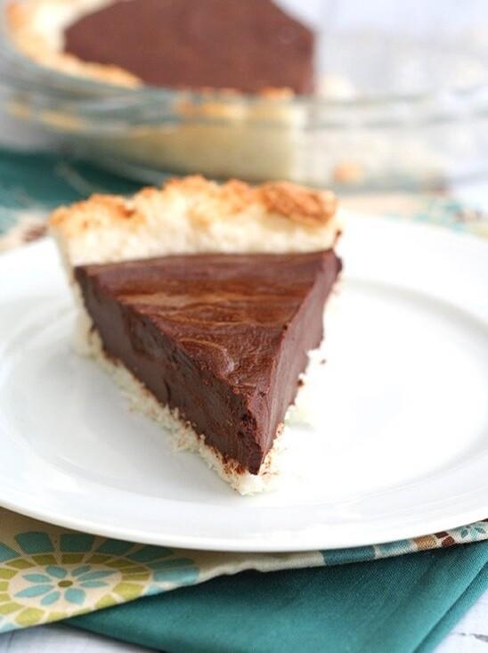 Tarta de ciocolata cu crusta macaroon
