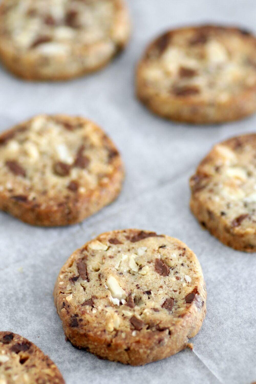 Cookie cu alune, ness si ciocolata