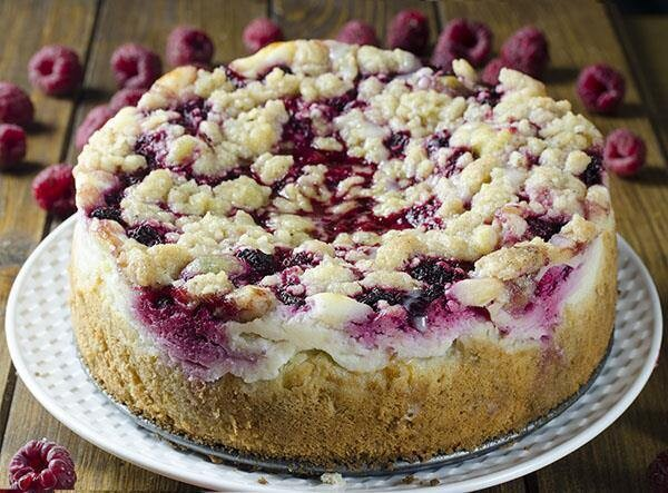 Crumb cake cheesecake cu zmeura