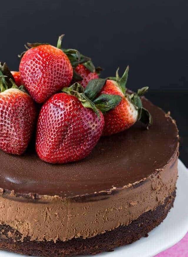 Tort trio cu mousse de ciocolata