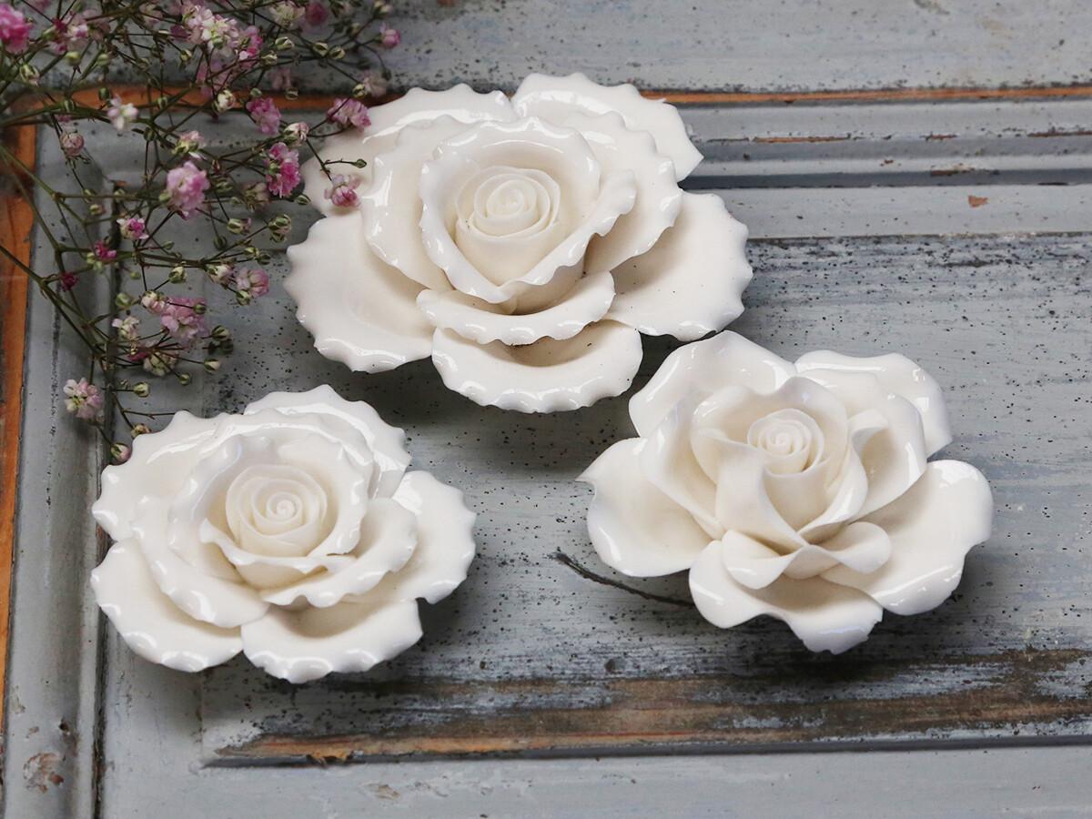 Set 3 kleine porseleinen roosjes