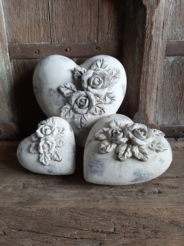 Set 3 stenen hartjes met roosjes