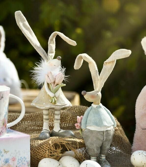 Set 2 bunnies staand met bloemen