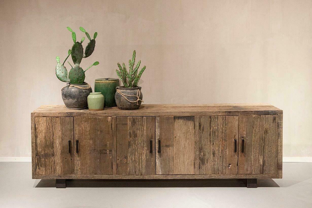 Robuust houten dressoir 240 cm | Urban Collection
