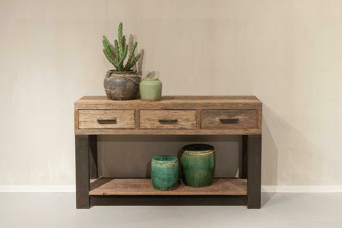 Robuuste oud houten sidetable   Urban Collection