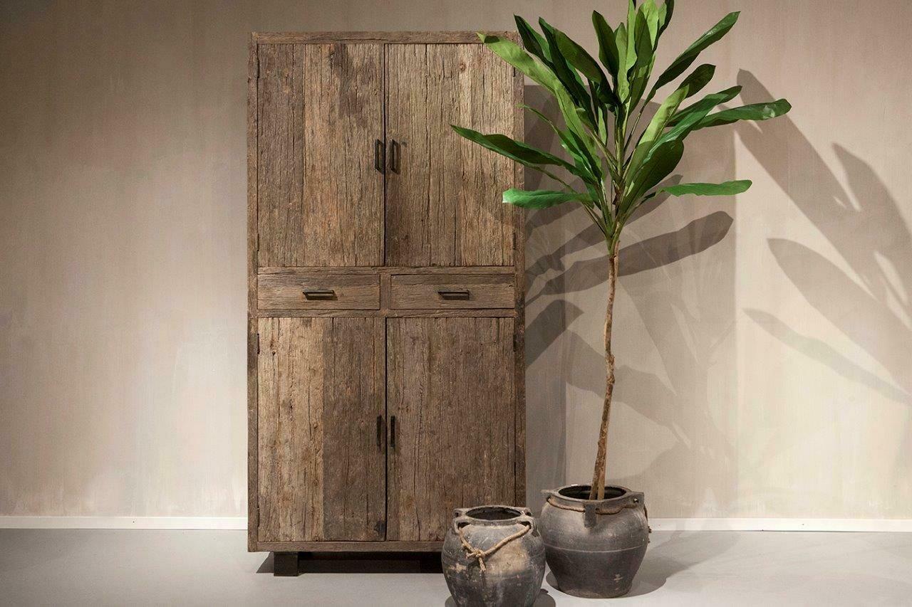 Robuust houten 4-deurs kabinet | Urban Collection