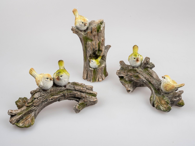 Vogeltjes op boomstam (links)