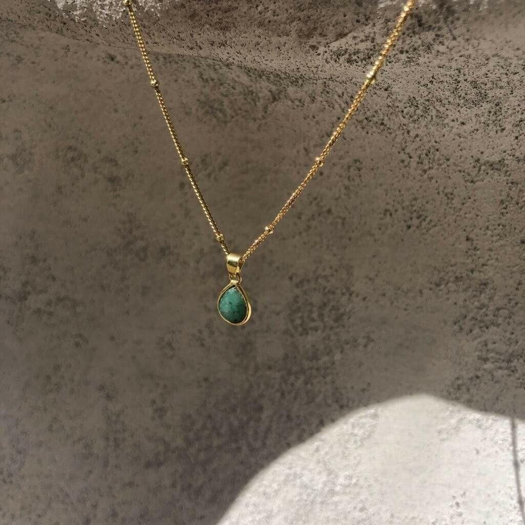 TULUM NECKLACE WITH EMERALD STONE - 18K GOLD VERMEIL