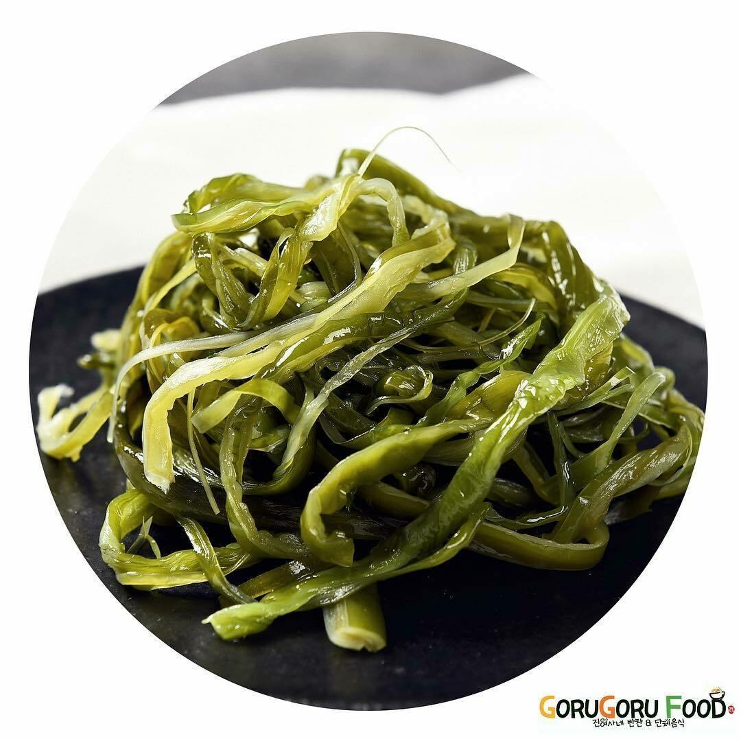 미역줄기 볶음 Stir fried Seaweed