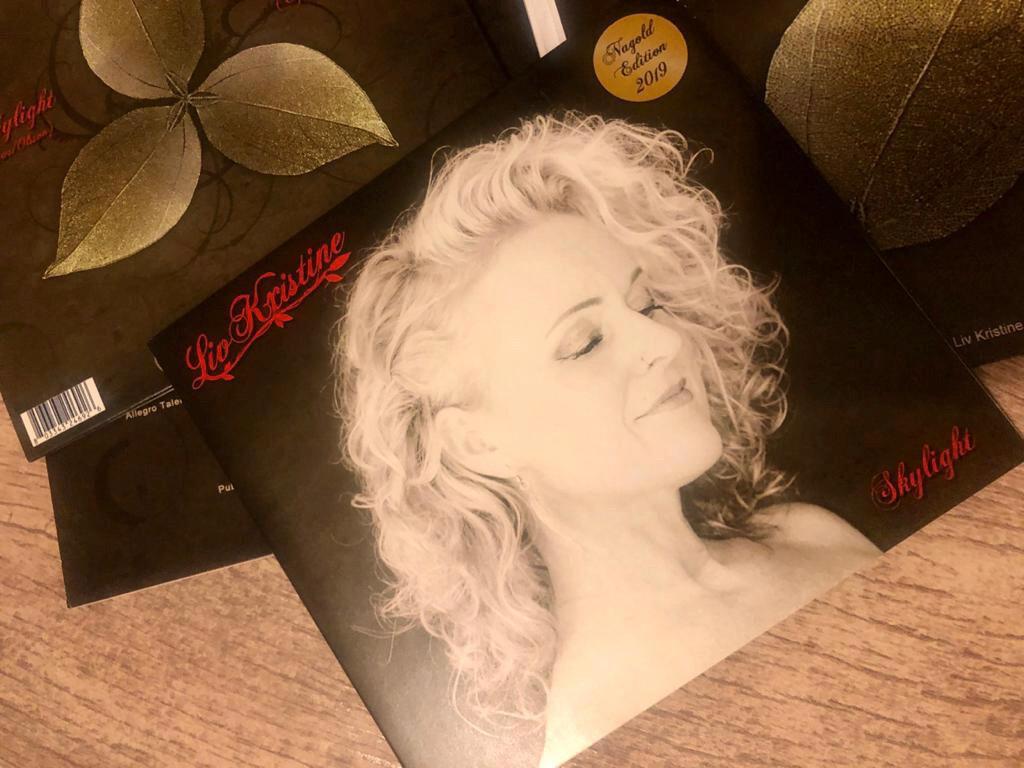 "Single CD ""Skylight"""