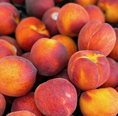 LOCAL! Sweet Yellow Peaches Per lb.
