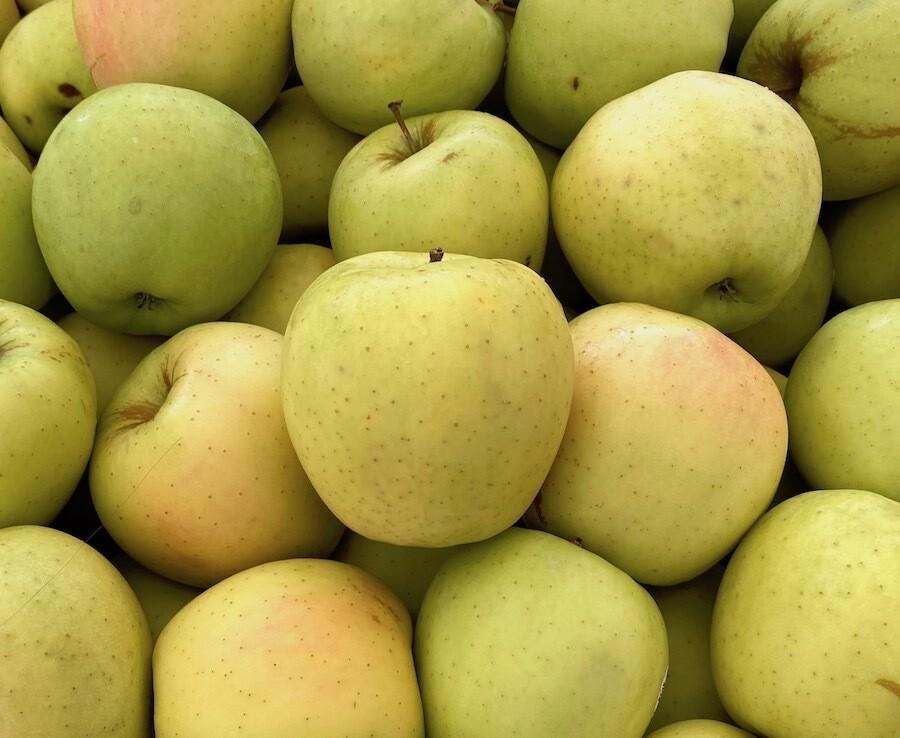 New Crop! Granny Smith Apples EACH (@ $1.29/lb.)