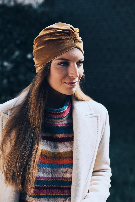 Lovely Louisa Velvet Gold