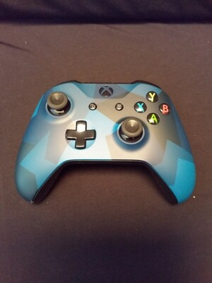 Microsoft - Xbox One Special Edition Midnight Forces Wireless Controller - Camouflage