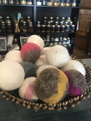 Woolen Dryer Ball