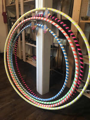Hula Hoop by instantLOVEexperiment (with a lesson)