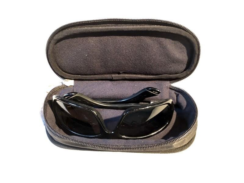 Attach / Detach Shoulder Harness Glasses Case
