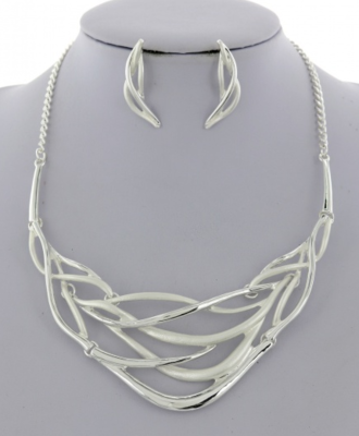 Metal Necklace Set