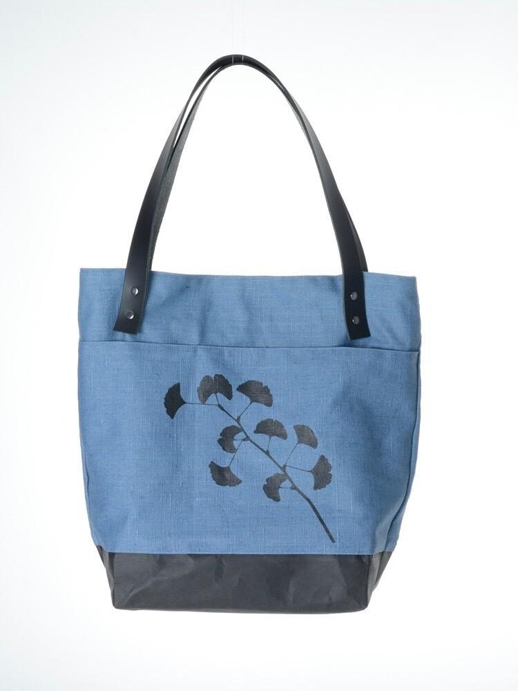 Schultertasche klein Ginkgo azurblau