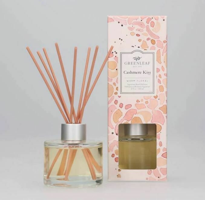 Cashmere Kiss Signature Reed Diffuser