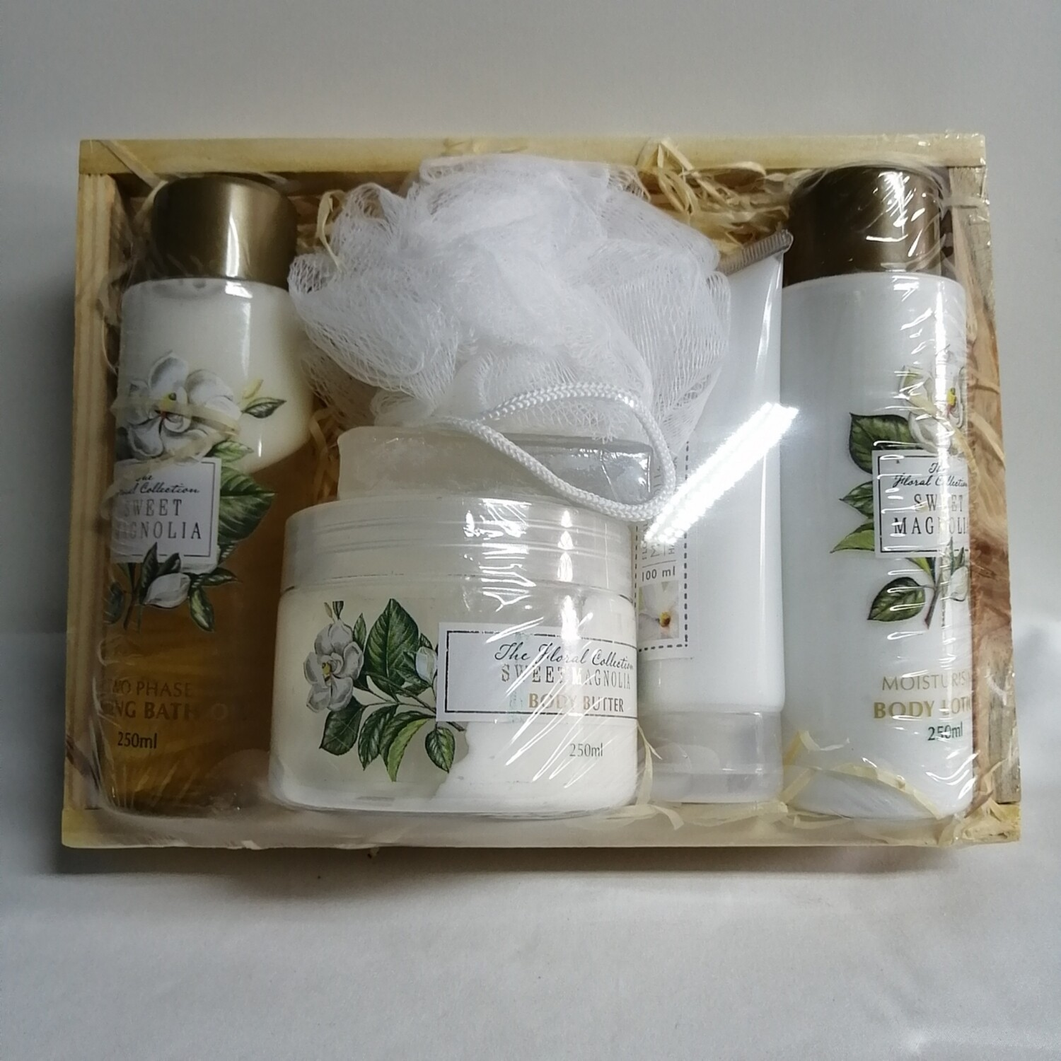 THE FLORAL COLLECTION BASKET