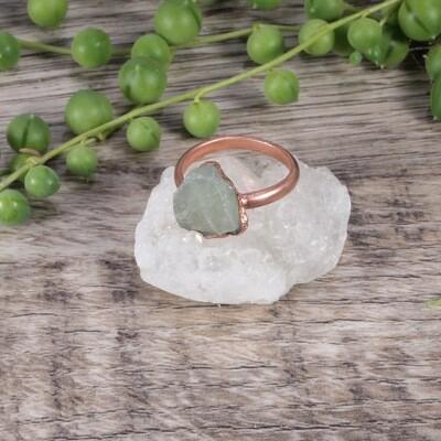 Triangle Aquamarine Stone Ring ǀ Raw Aquamarine Ring