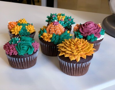 Mommy & Me: Succulent Cupcake Decorating