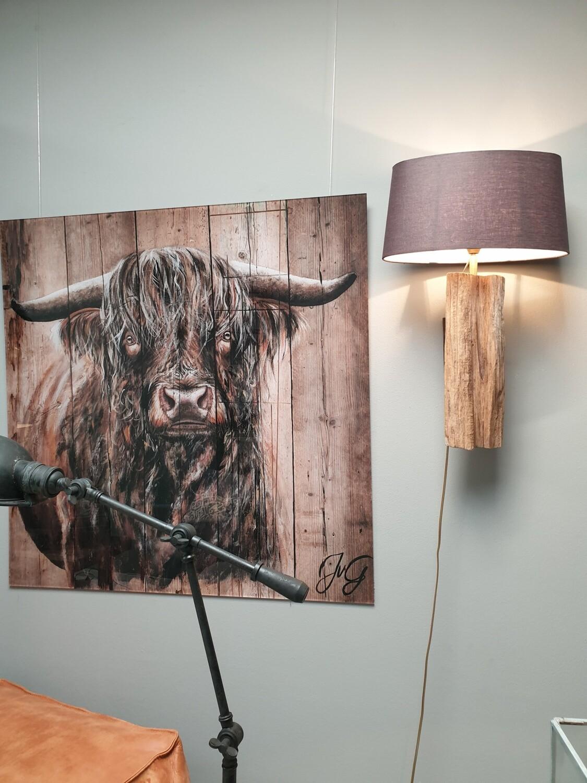 Stoere wandlamp van oud hout/boomstam