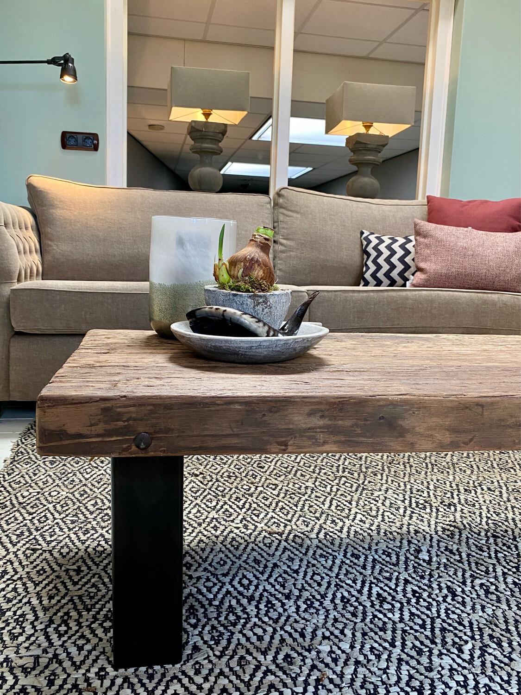 Stoere salontafel in de stijl van Hoffz