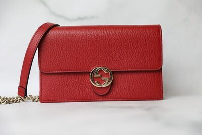 Gucci Interlocking Wallet on Chain, Red with Gold Hardware Preowned in Box WA001