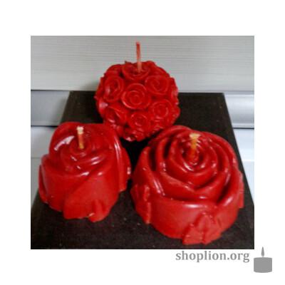 Набор восковых свеч с установкой на любовь.