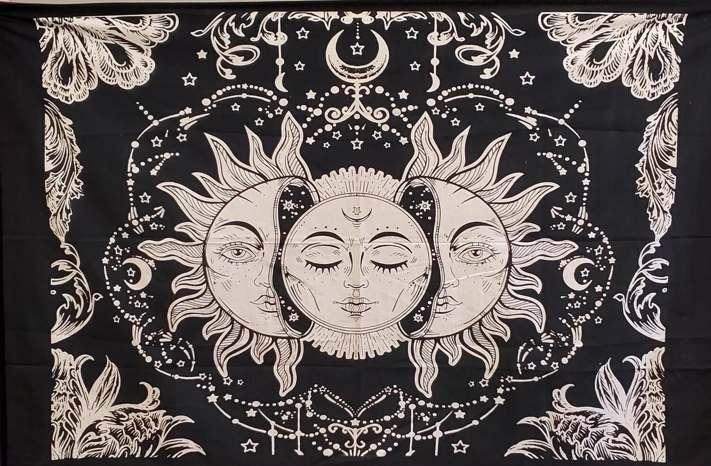 BLK/WHT SUN MOON STARS TAPESTRY SM